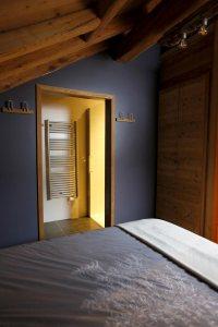 Chambre 3 - lit double avec salle d'eau privative